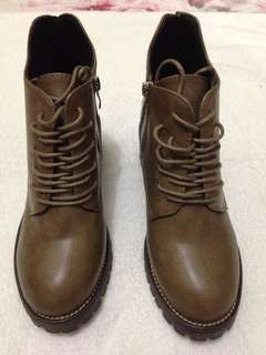 Boots Woman