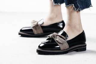 BNIB British Style Loafers with Bow