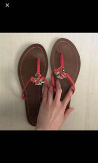 Tory Burch flip flop almost 99%new
