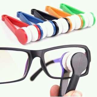 Alat Pembersih Kacamata