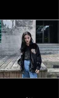 暗黑 黑色系 潮流 性感 絲絨 刺繡 橫須賀 頑皮豹 飛行外套 外套