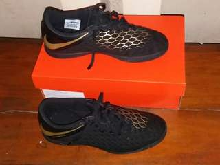 Nike Hypervenom Phantom X III Club IC Black Gold Original