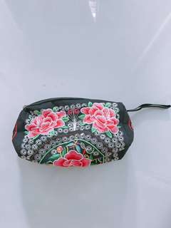 Floral Embroidered pouch / embroidery 3d wristlets / accessories pouch / makeup bag / cosmetic bag / small bag / mini bag