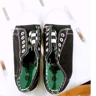 Fashion shoe( kids Size 33)