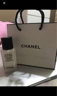 Coco Chanel makeup base Le Blanc de chanel