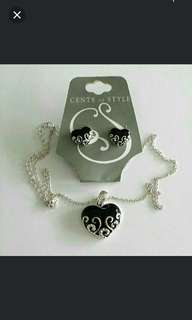 Necklace & Earring set (Heart-shape)