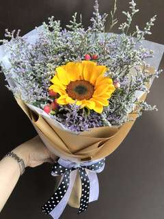 Single Sunflower Caspia And berries bouquet