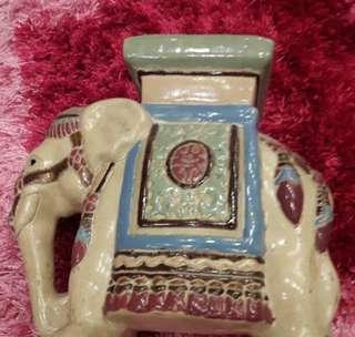Asbak keramik gajah