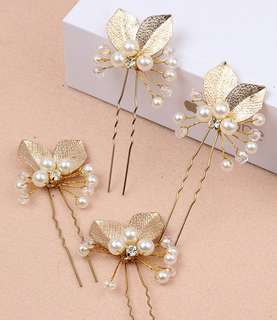 Bridal hair pin gold pearls flowers