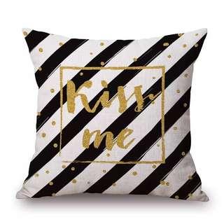 Kiss me cushion cover
