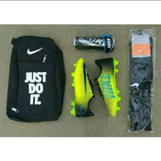 Soccer boots for kid's
