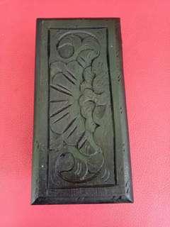 Kotak kayu ukir antik