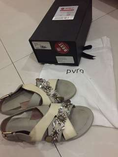 Nevva light grey / ivory