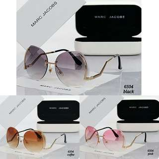 Women Sunglasses Marc Jacobs K243 / 6504#3   Quality Premium.  Ready 3 Colours. - Black.  - Coffee.  - Pink.  Free Box.  Free Kain.  Free Sarung. Berat 0.3kg  Harga 140rb