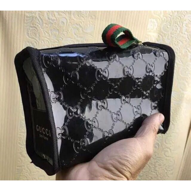 0273189ca6b Gucci authentic gift makeup pouch