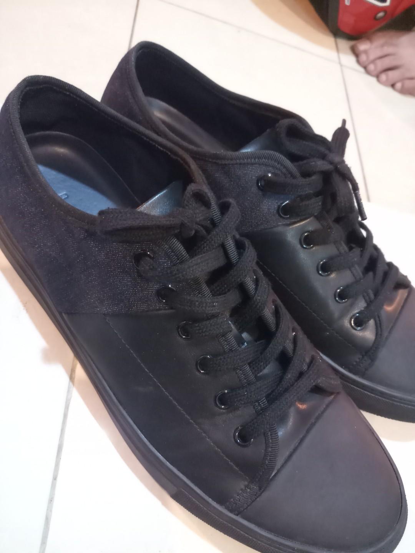 Sepatu pedro original