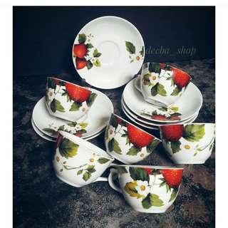 Cangkir strawberry