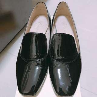 半價出售 Venilla Suite 黑色漆皮鞋