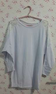 Blouse putih loose