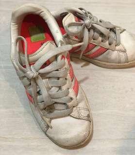 Girl sport shoe