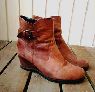 Genuine Leather boots from Italy