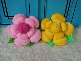 Bantal mawar cantik murah