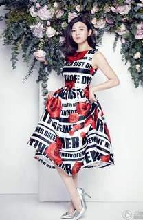 🚚 2018韓版時尚女裝夏季新品 明星同款印花玫瑰A字百搭連衣裙