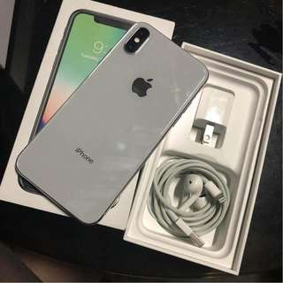 iPhone X 64gb SILVER FACTORY UNLOCKED!