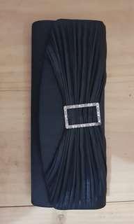 Clutch hitam