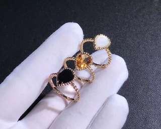 Boucheron 寶詩龍 SERPENT BOHÈME 梨形彩寶小戒指