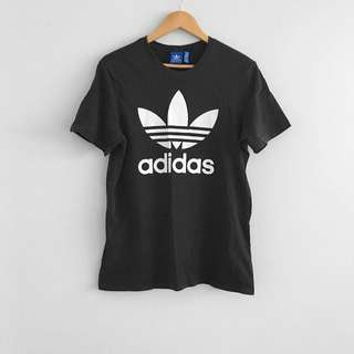 Adidas originals trefoil tshirt in Black