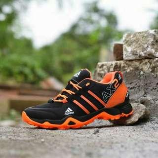 Sepatu adidas Ax2 Free kaos kaki terbatas