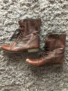 Steve Madden Troopa Boots-Size 9