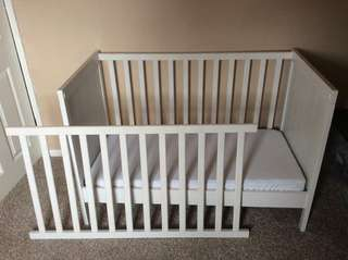 Ikea SUNDVIK White Baby Cot 3 in 1 Daybed Toodler Bed Side Bed Co Sleeper Day Bed
