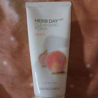 The Face Shop Herb Day Cleansing Foam Peach