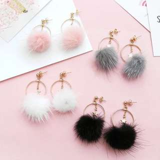 💧 Star center round furry pompom hoop earrings and clip ons