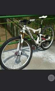 2017 Pivot Mach 429t 429 Trail Boost Carbon 29er or 27.5 plus Complete Bike Xtr m9000 2x11 kashima ztr hope wheels etc