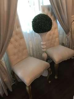 Nice high chair (cream color)