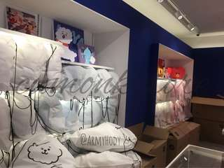 BT21 REOPEN BATCH x CUSHION