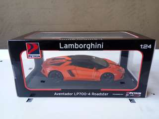 Petron Lamborghini aventador 1:24 die cast model car