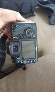 Canon 7D body only - like new condition