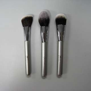 全新)特價 Its Cosmetic foundation/power/blush brush 多功能掃/胭脂掃/粉底掃(3枝)