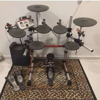 Yamaha DTXPRESS IV Electronic Drum Set Kit