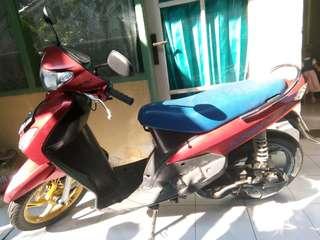 Yamaha Mio th 2012 warna merah