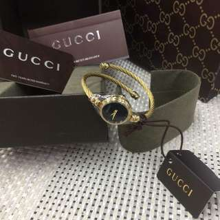 GUCCI 2700L Twisted Cable Bangle Watch