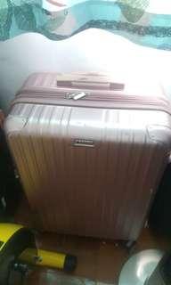 luggage 行李箱 /登机箱 /旅行箱 低价出售