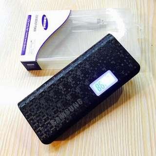 Samsung powerbank 20.000 mah With flashlights LED screen