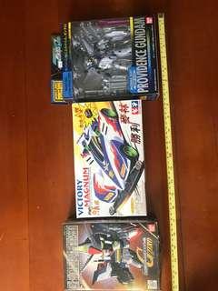 高達模型及跑車及玩具