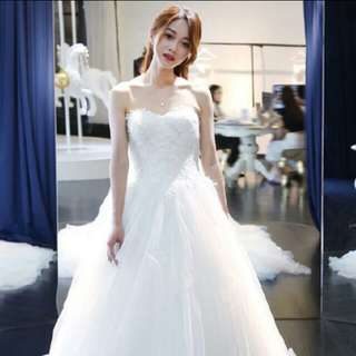 White wedding dress/gown