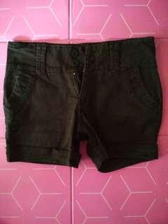 Brown short